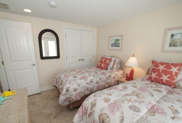 3007-Ave-E-Bedroom-01.jpg