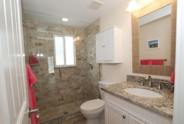 3007-Ave-E-Bathroom-02.jpg