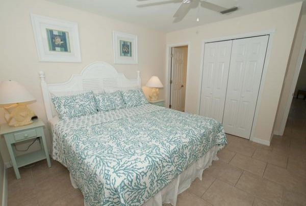 203-36th-St-Bedroom-02.jpg