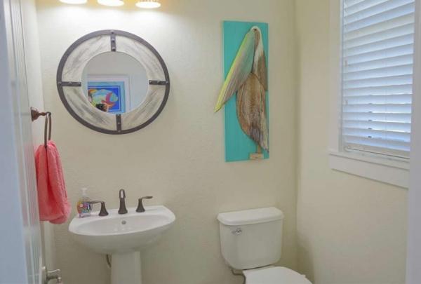 305-74th-St-Bathroom-04.jpg