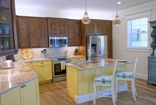 305-74th-St-Kitchen-01.jpg