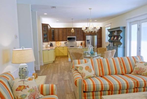 305-74th-St-Living-Room-03.jpg