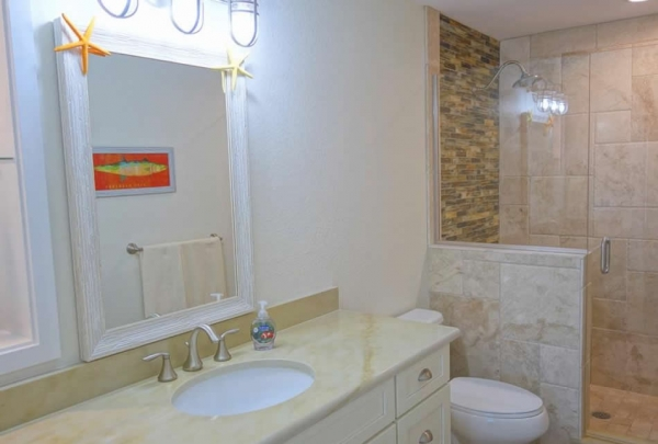 305-74th-St-Bathroom-02.jpg