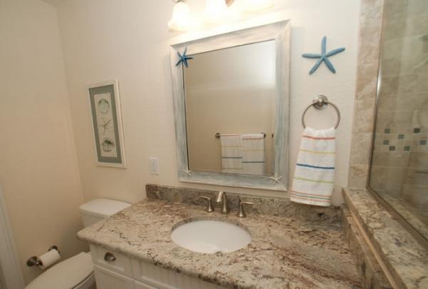 205-69th-St-Bathroom-06.jpg