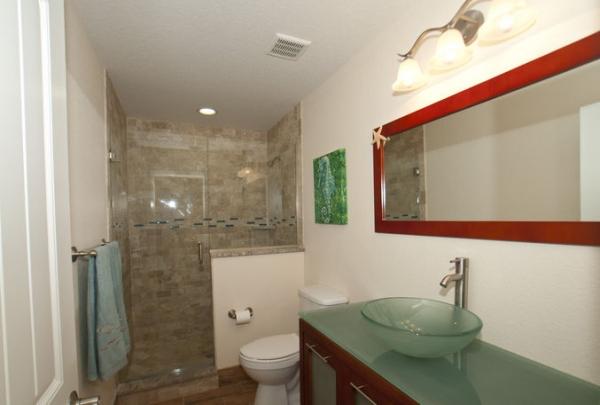 205-69th-St-Bathroom-01.jpg