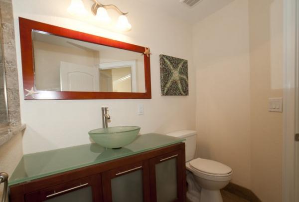 205-69th-St-Bathroom-04.jpg