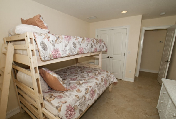 205-69th-St-Bedroom-02.jpg