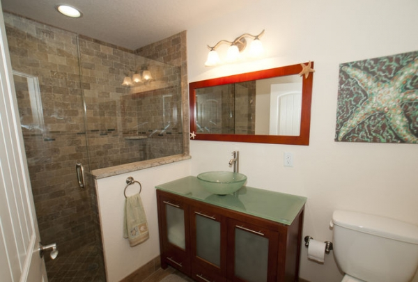 205-69th-St-Bathroom-03.jpg