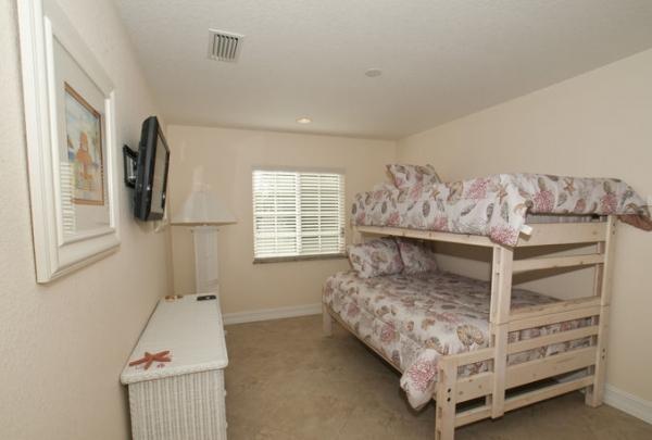 205-69th-St-Bedroom-01.jpg